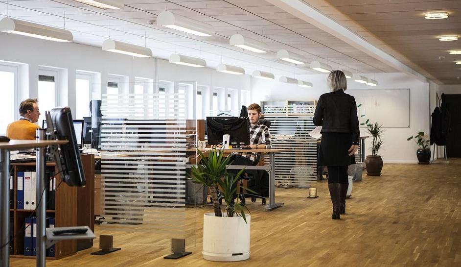 Hilfe vom Experten bei der Büroreinigung gibt es durch eine passende Firma